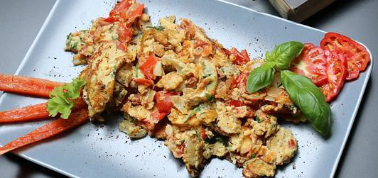 Mushroom and Red Pepper Breakfast Scramble
