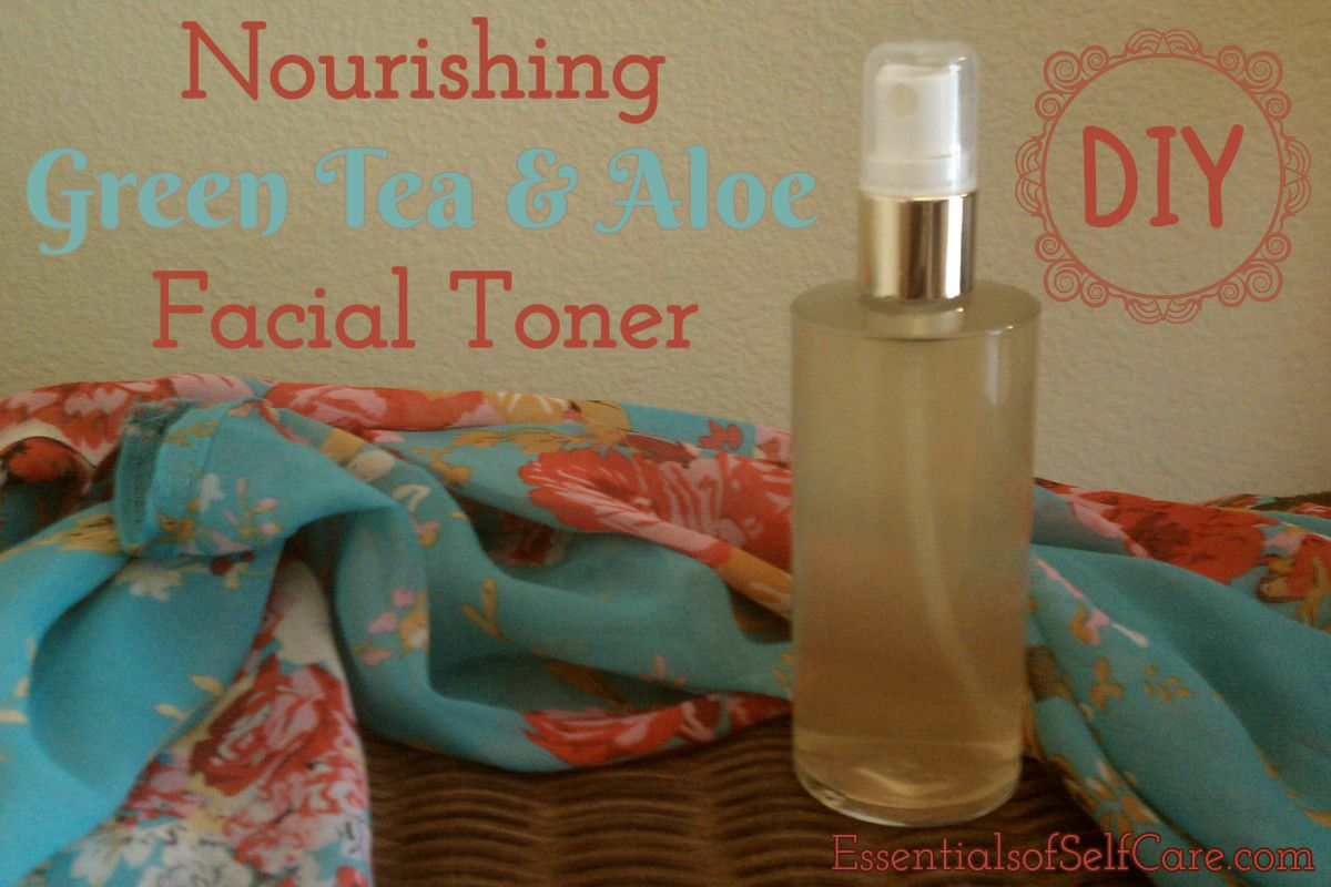 Nourishing DIY Green Tea & Aloe Facial Toner