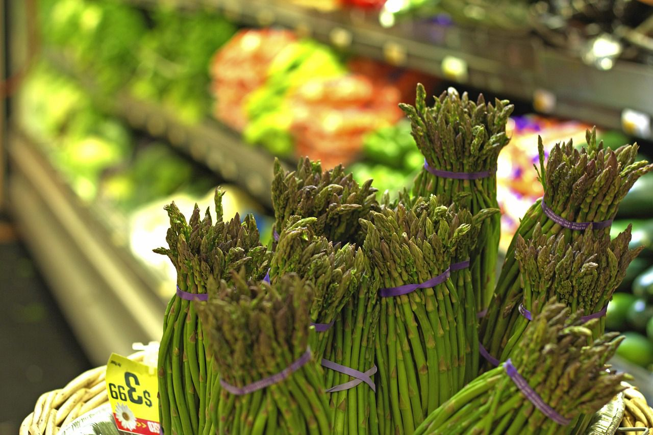 Starting a Whole Foods Diet: Tips to Simplify Shopping