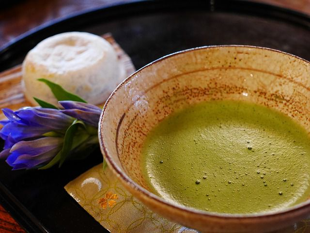 Are the Benefits of Matcha Green Tea Really All That Buzz Worthy?