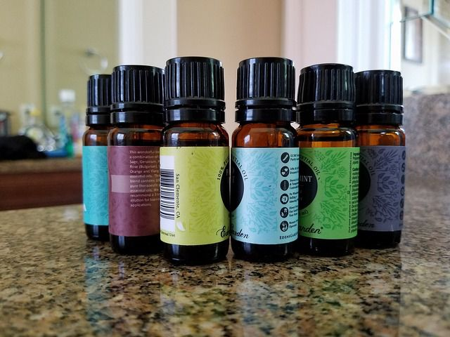 How to Diffuse Essential Oils + Which Oils Can Benefit Your Home & Other Spaces