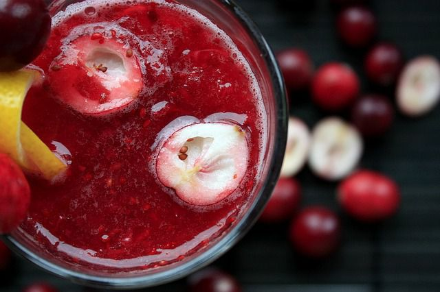 2 Detox Water Recipes to Shed Water Weight Fast