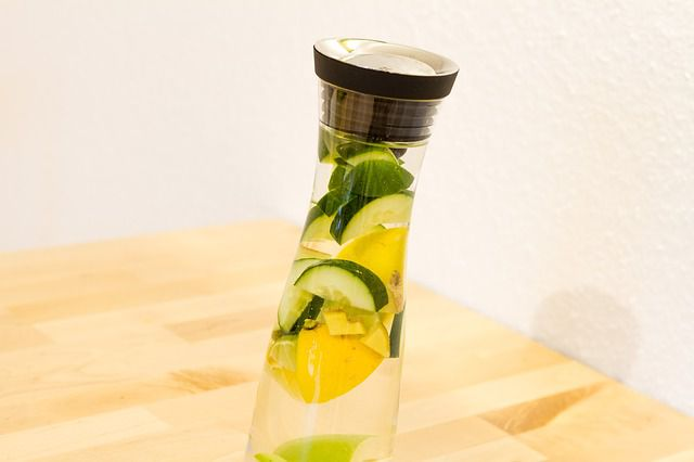 Homemade Detox Water Recipes-Cucumber Lemon