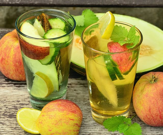 Homemade Detox Water Recipes-Apple Cinnamon